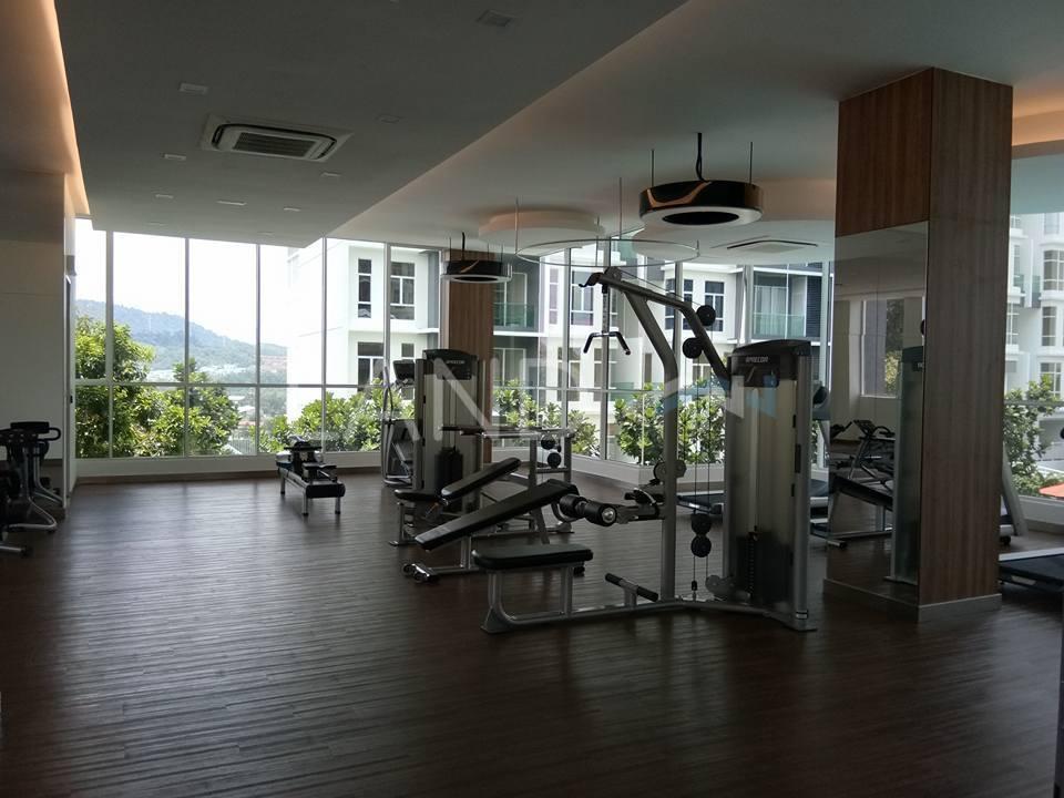 Room in apartment for rent at green residence taman rasa sayang