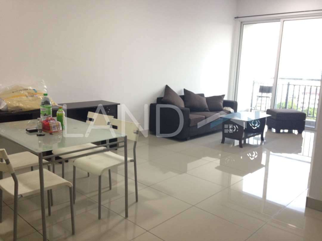 Fully furnished room in apartment for rent at unipark for Furnished room