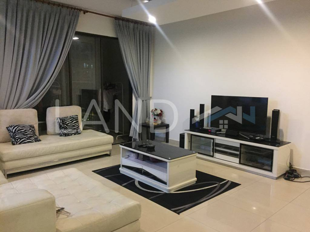 Fully Furnished Room In Apartment For Rent At Royal Domain
