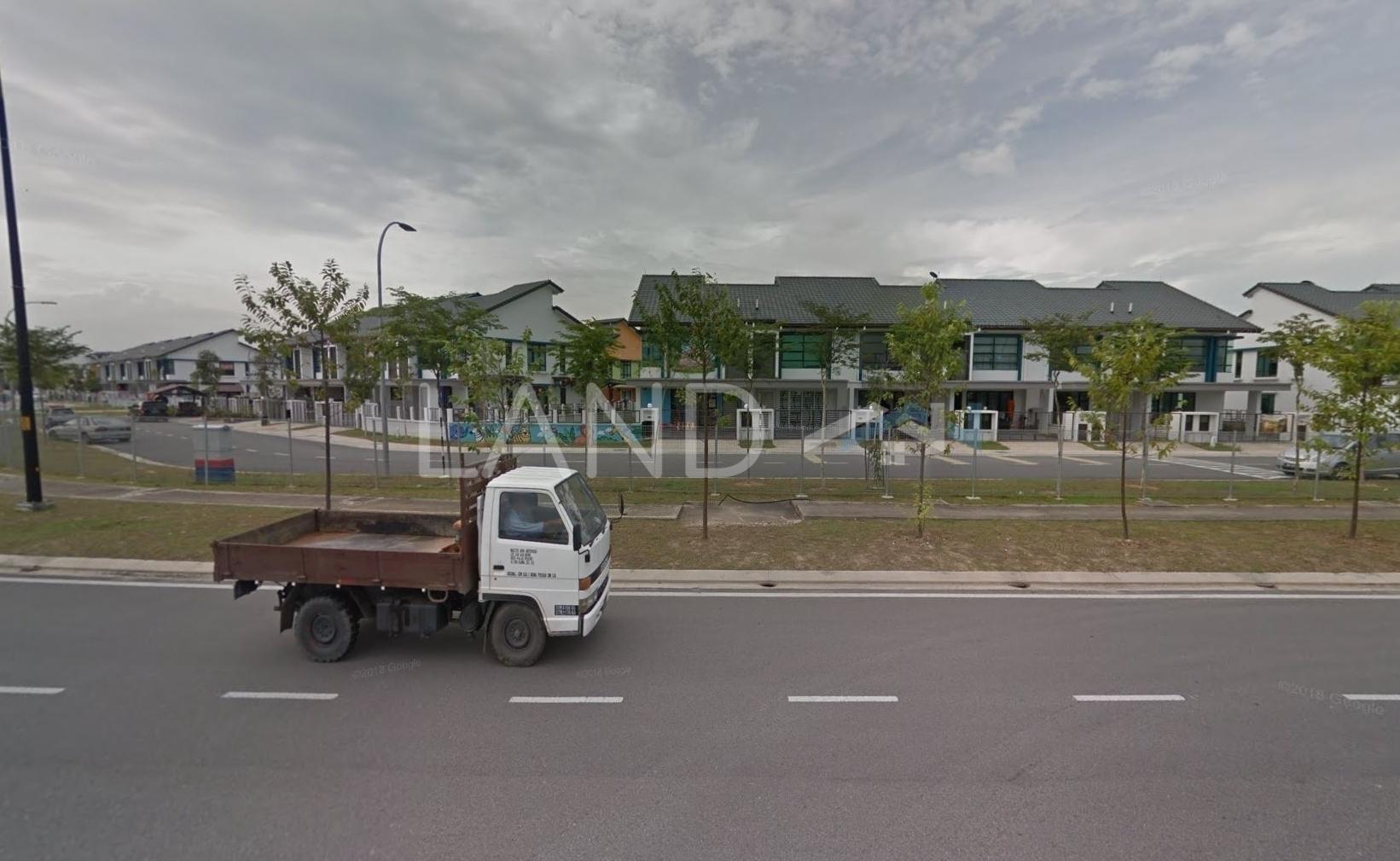 Unfurnished Terrace For Sale At Nafiri, Bandar Bukit Raja ...