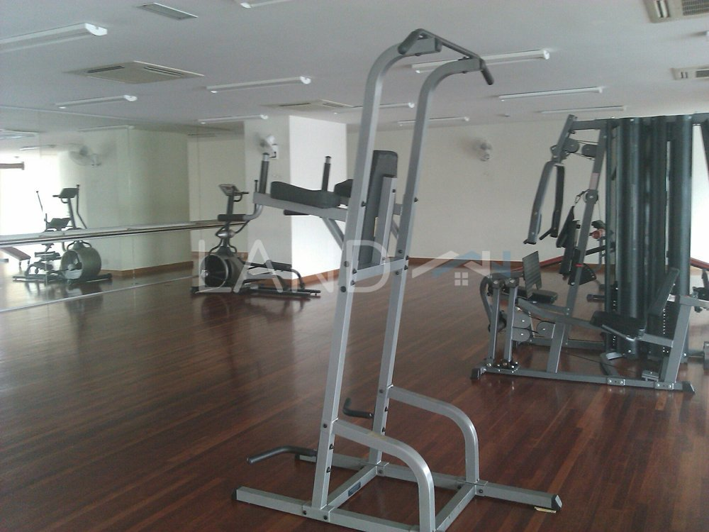Room in apartment for rent at impian meridian usj land